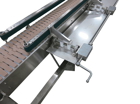 "Two ""squeezing"" conveyors AquaGard 7200 Series"
